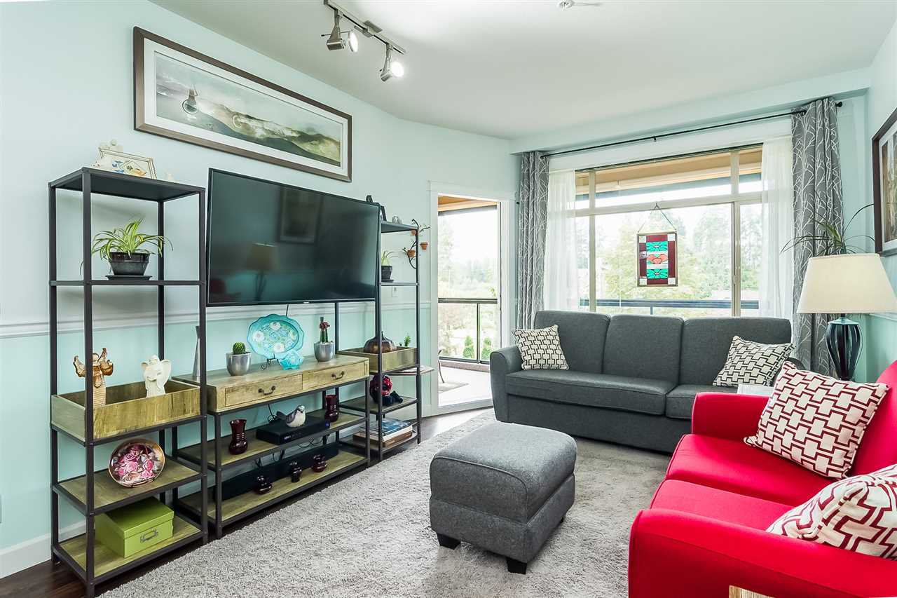 """Photo 3: Photos: 207 8067 207 Street in Langley: Willoughby Heights Condo for sale in """"Yorkson Creek - Parkside 1"""" : MLS®# R2329438"""
