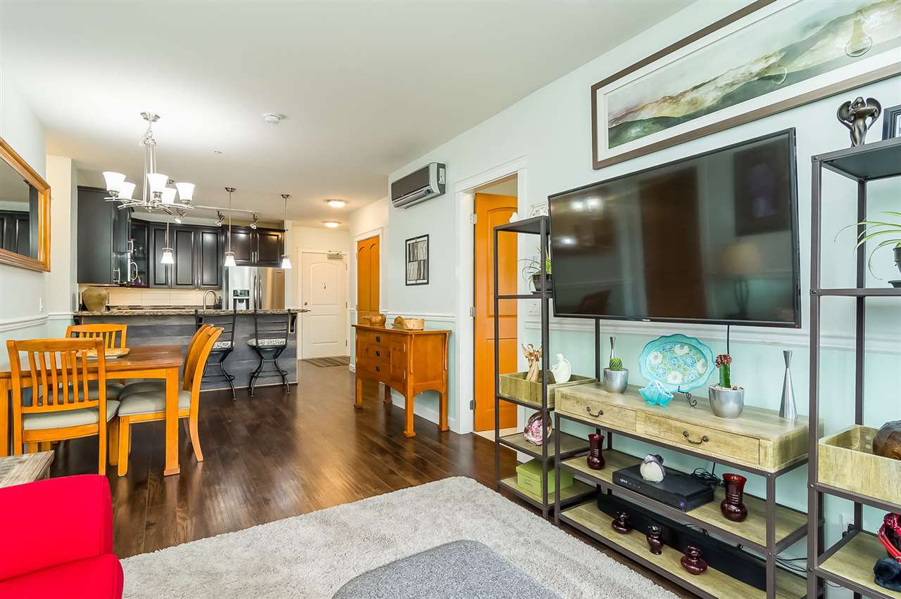 """Photo 5: Photos: 207 8067 207 Street in Langley: Willoughby Heights Condo for sale in """"Yorkson Creek - Parkside 1"""" : MLS®# R2329438"""