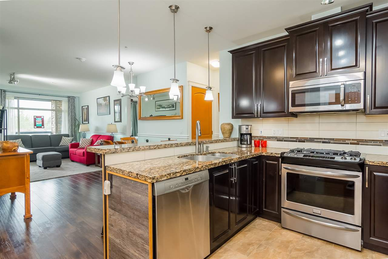 """Photo 12: Photos: 207 8067 207 Street in Langley: Willoughby Heights Condo for sale in """"Yorkson Creek - Parkside 1"""" : MLS®# R2329438"""