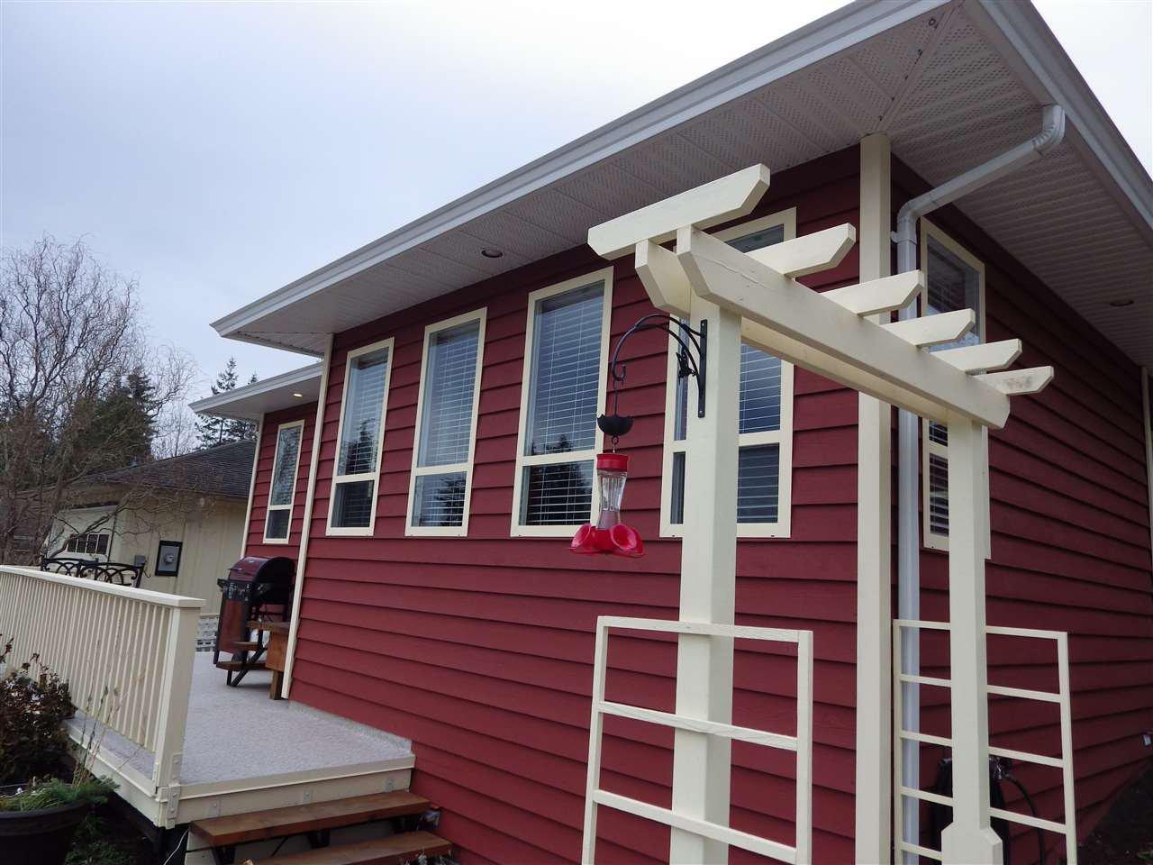 Photo 13: Photos: 5599 MEDUSA Place in Sechelt: Sechelt District House for sale (Sunshine Coast)  : MLS®# R2344394