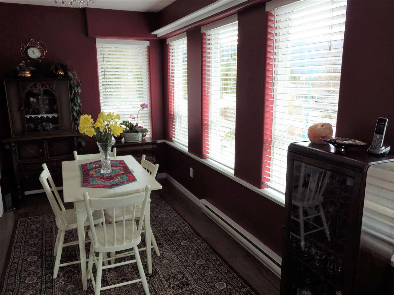 Photo 4: Photos: 5599 MEDUSA Place in Sechelt: Sechelt District House for sale (Sunshine Coast)  : MLS®# R2344394