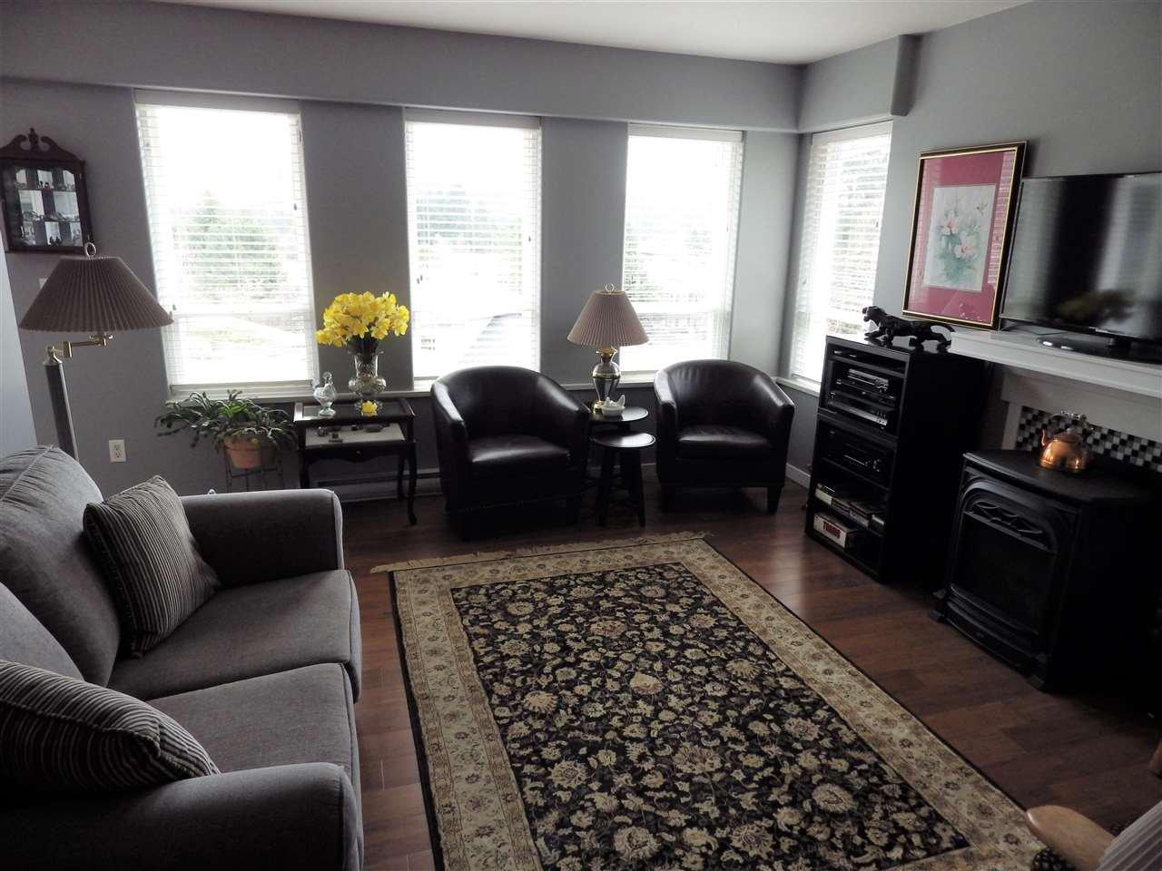 Photo 3: Photos: 5599 MEDUSA Place in Sechelt: Sechelt District House for sale (Sunshine Coast)  : MLS®# R2344394