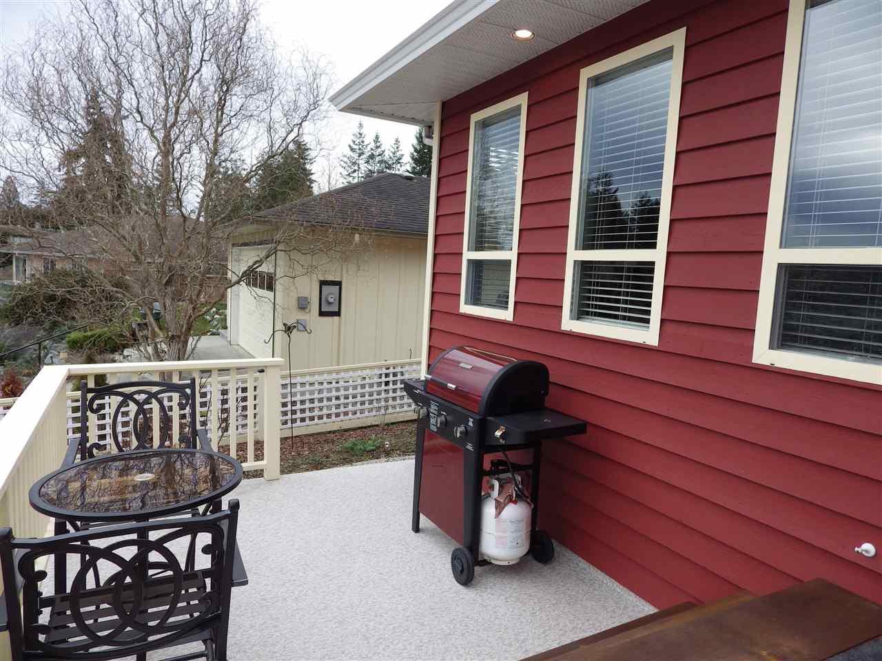 Photo 14: Photos: 5599 MEDUSA Place in Sechelt: Sechelt District House for sale (Sunshine Coast)  : MLS®# R2344394