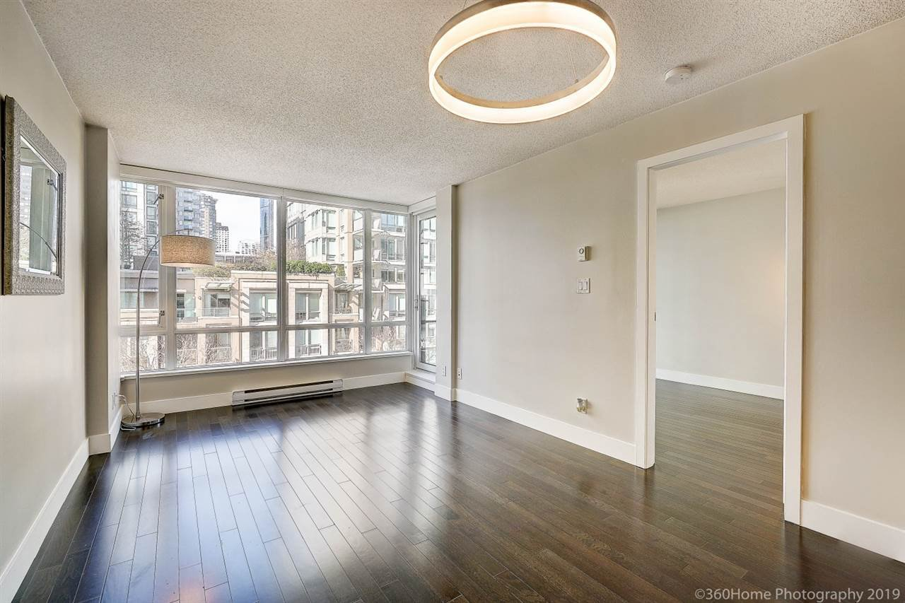 "Main Photo: 505 1088 RICHARDS Street in Vancouver: Yaletown Condo for sale in ""RICHARDS LIVING"" (Vancouver West)  : MLS®# R2346957"