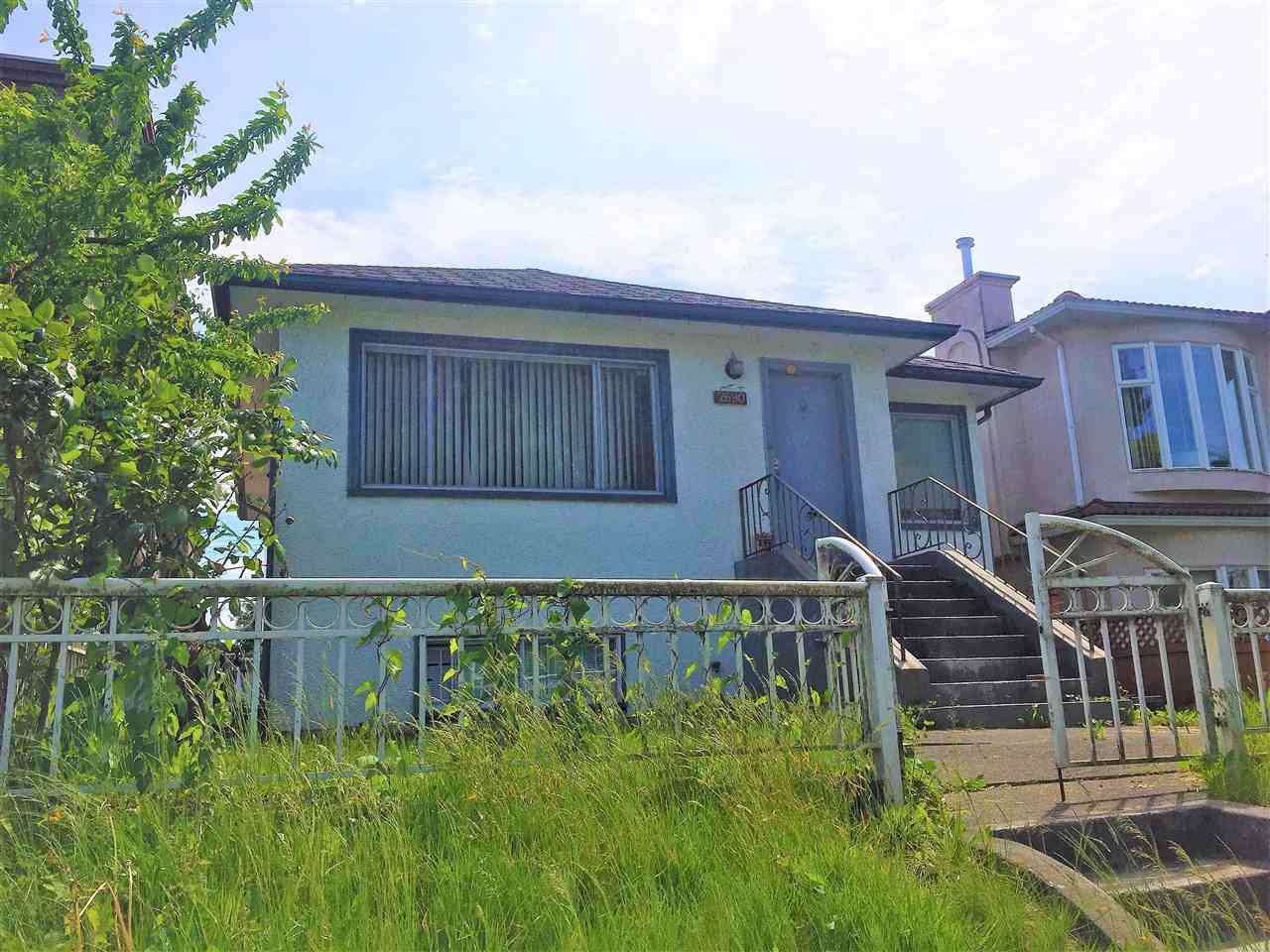 Main Photo: 2690 E 1ST Avenue in Vancouver: Renfrew VE House for sale (Vancouver East)  : MLS®# R2372338