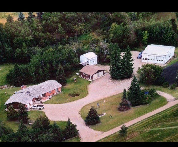 Main Photo: 48204 - RRD 125: Rural Beaver County House for sale : MLS®# E4159828