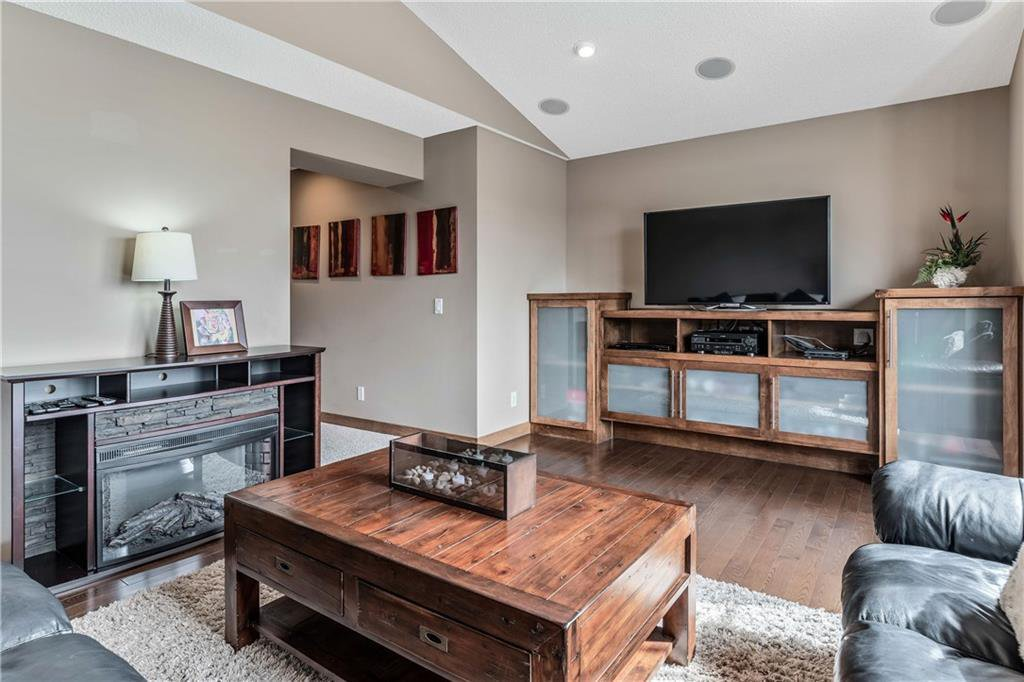 Photo 26: Photos: 59 Everoak Bay SW in Calgary: Evergreen Detached for sale : MLS®# C4252652