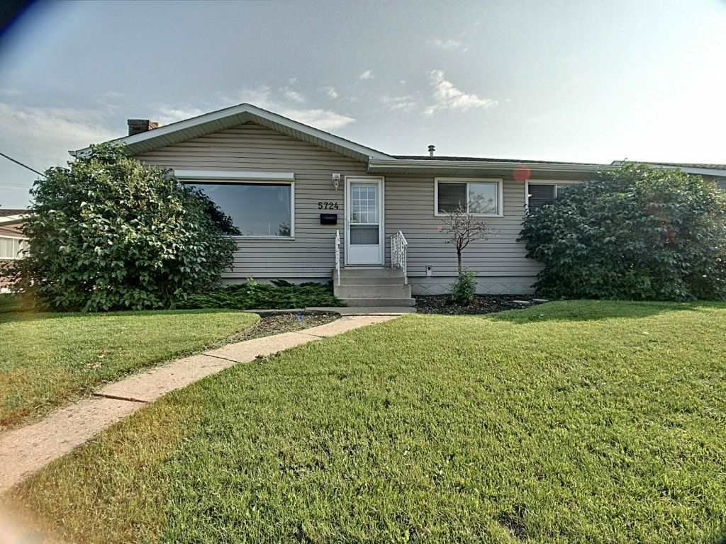 Main Photo: 5724 90 Avenue in Edmonton: Zone 18 House for sale : MLS®# E4166122