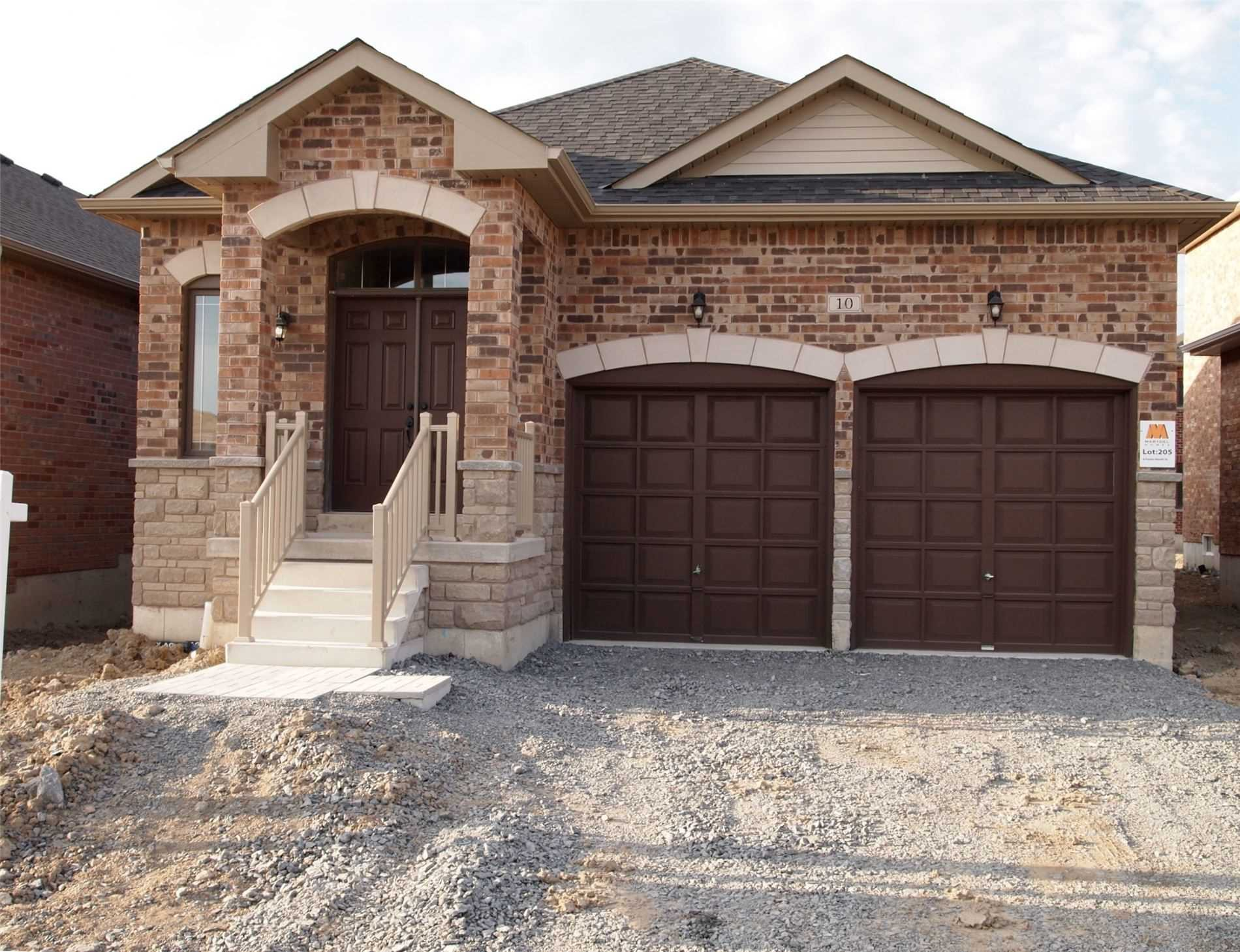 Main Photo: 10 Foster Hewitt Street in Brock: Beaverton House (Bungalow-Raised) for sale : MLS®# N4535936