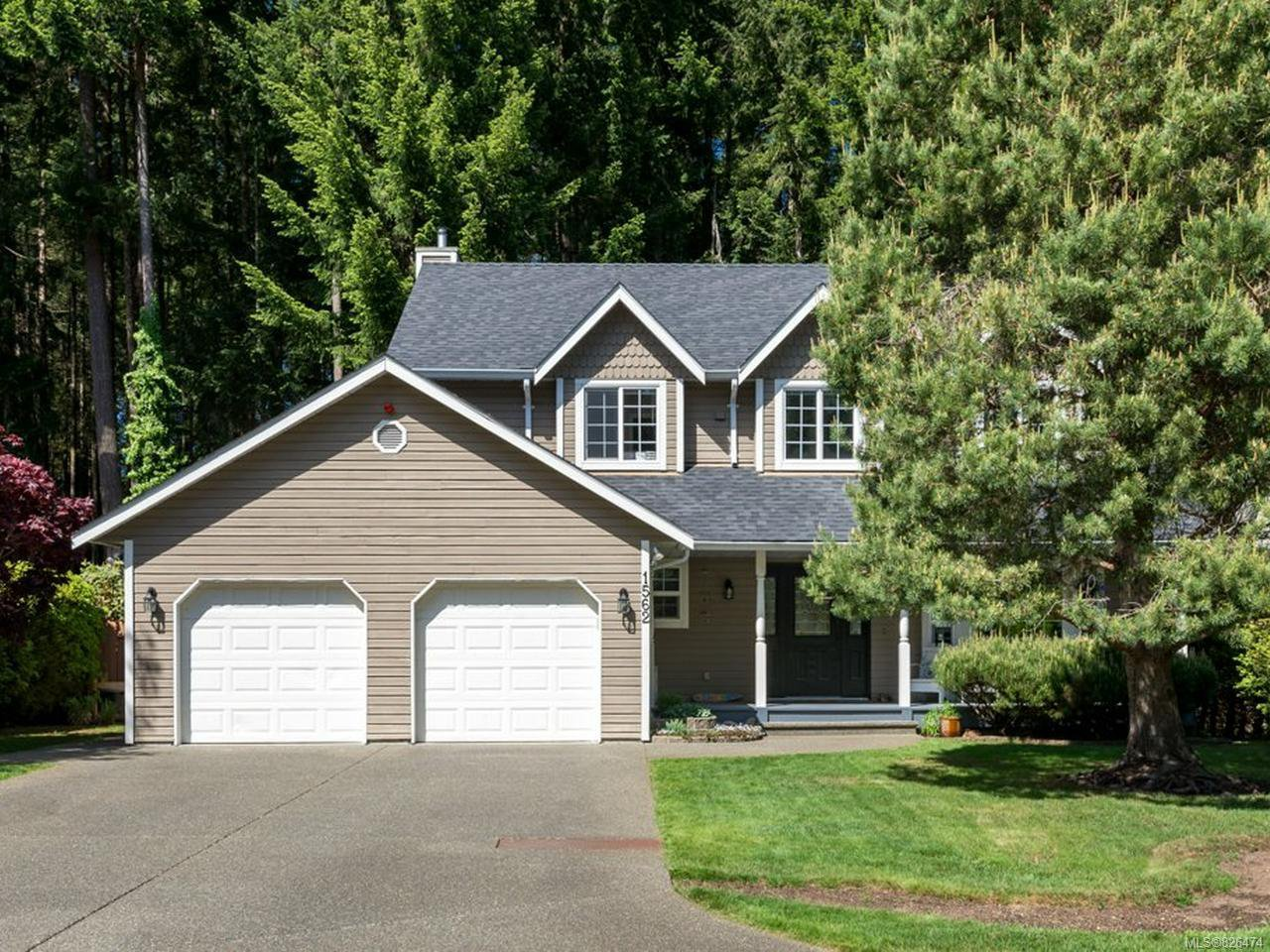 Main Photo: 1562 MULBERRY Lane in COMOX: CV Comox (Town of) House for sale (Comox Valley)  : MLS®# 826474