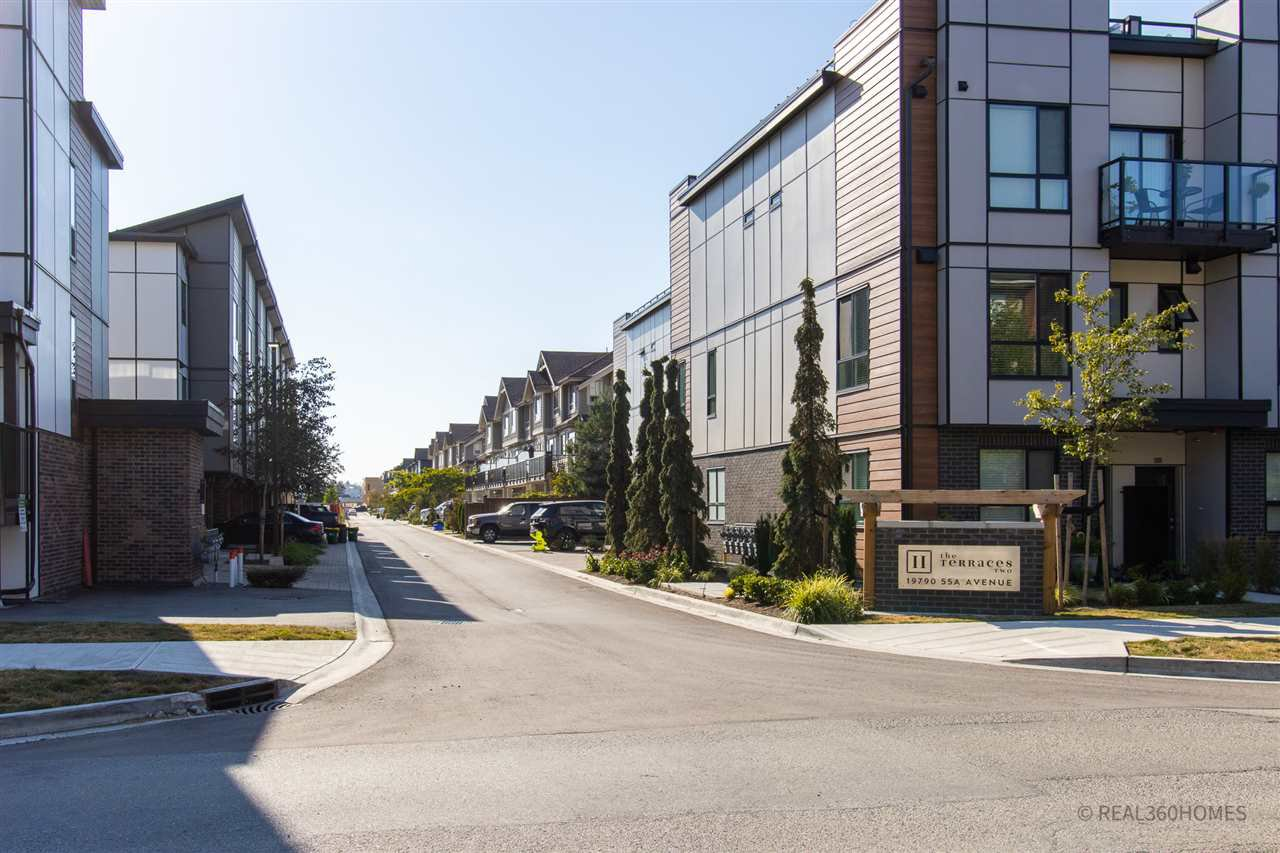 """Main Photo: 23 19789 55 Avenue in Langley: Langley City Townhouse for sale in """"THE TERRACES"""" : MLS®# R2492588"""