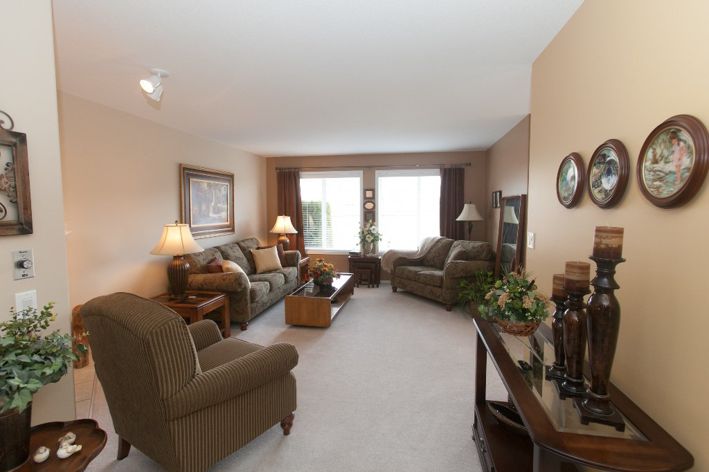 Photo 7: Photos: 526 RED WING DRIVE in PENTICTON: Residential Detached for sale : MLS®# 140034