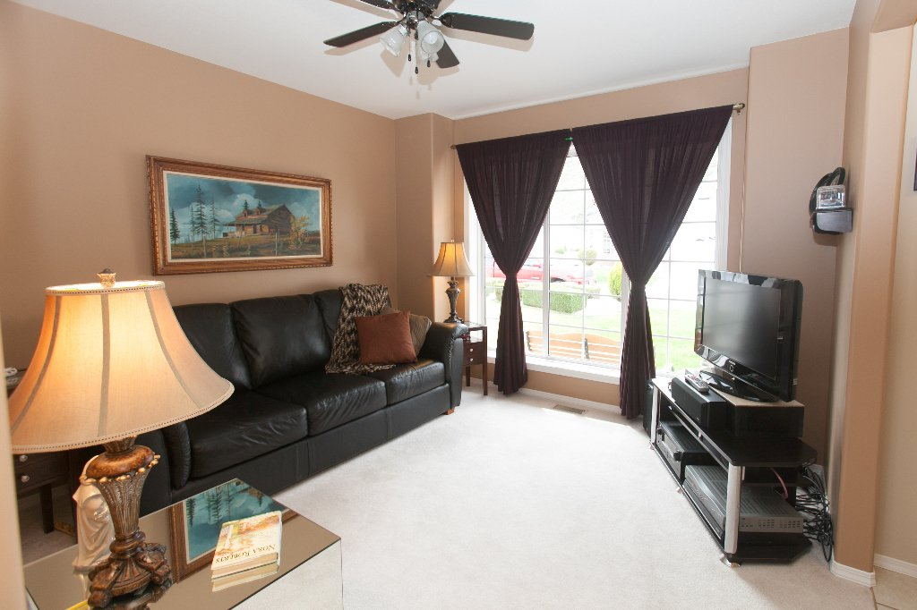 Photo 3: Photos: 526 RED WING DRIVE in PENTICTON: Residential Detached for sale : MLS®# 140034