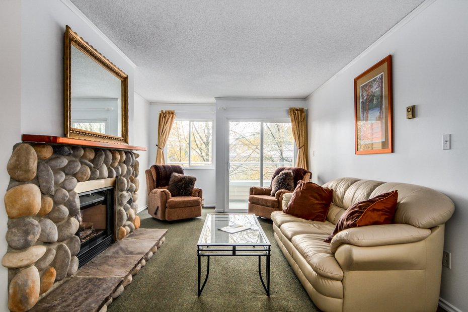 Photo 4: Photos: # 210 1155 ROSS RD in North Vancouver: Lynn Valley Condo for sale : MLS®# V1062619