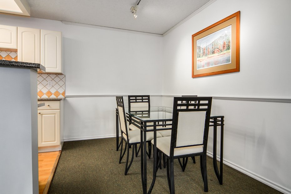 Photo 6: Photos: # 210 1155 ROSS RD in North Vancouver: Lynn Valley Condo for sale : MLS®# V1062619
