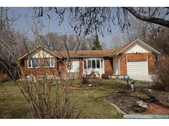 Main Photo: 571 ADDIS Avenue in WSTPAUL: Middlechurch / Rivercrest Residential for sale (Winnipeg area)  : MLS®# 1509147