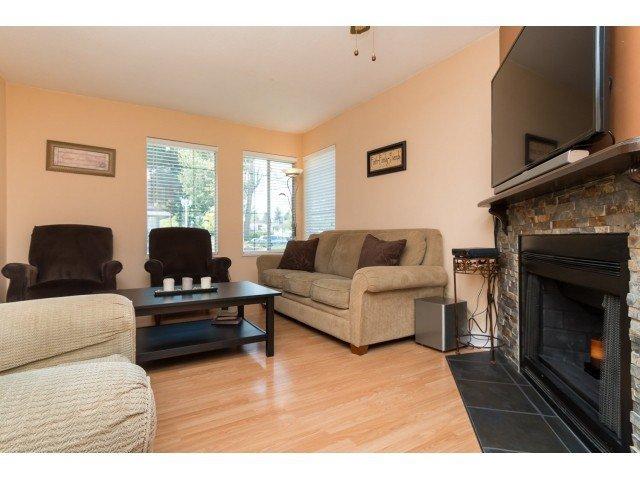 "Photo 3: Photos: 11956 90 Avenue in Delta: Annieville Townhouse for sale in ""Sunridge Estates"" (N. Delta)  : MLS®# F1439956"