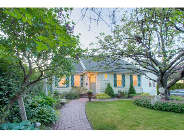 """Main Photo: 235 SIXTH Avenue in New Westminster: GlenBrooke North House for sale in """"GLENBROOKE NORTH"""" : MLS®# V1121894"""