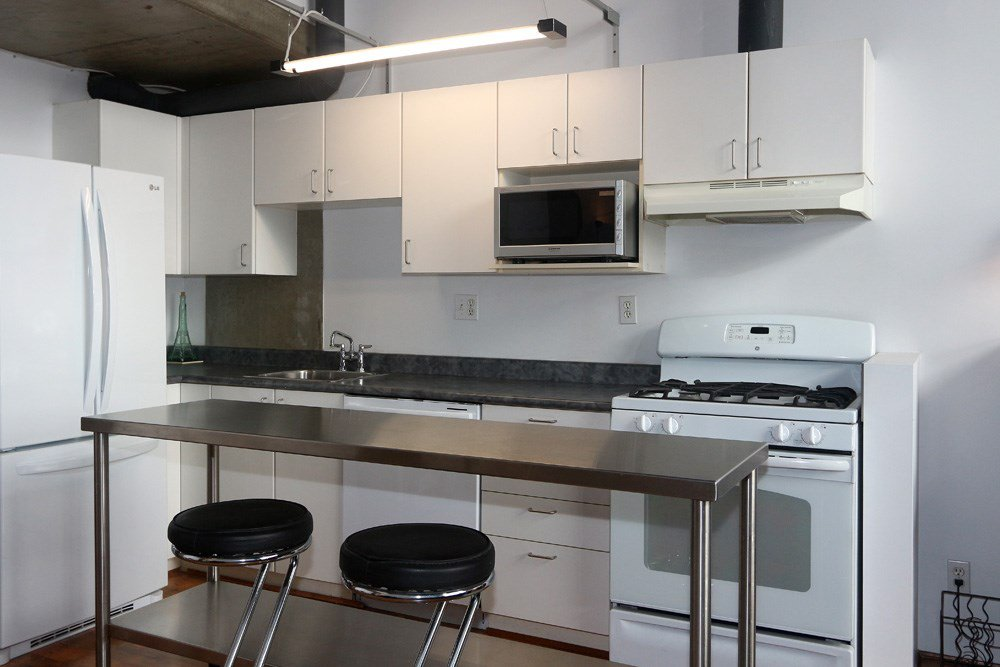"Photo 4: Photos: 817 289 ALEXANDER Street in Vancouver: Hastings Condo for sale in ""THE EDGE HARBOURFRONT LOFTS"" (Vancouver East)  : MLS®# R2034869"