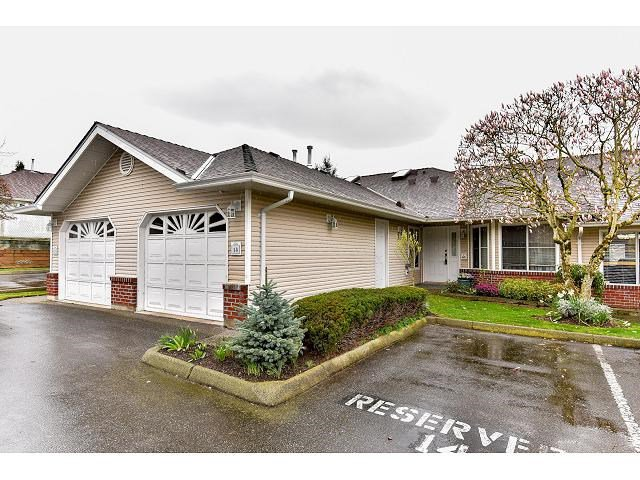 "Main Photo: 14 2006 WINFIELD Drive in Abbotsford: Abbotsford East Townhouse for sale in ""Ascot Hills II"" : MLS®# R2045901"