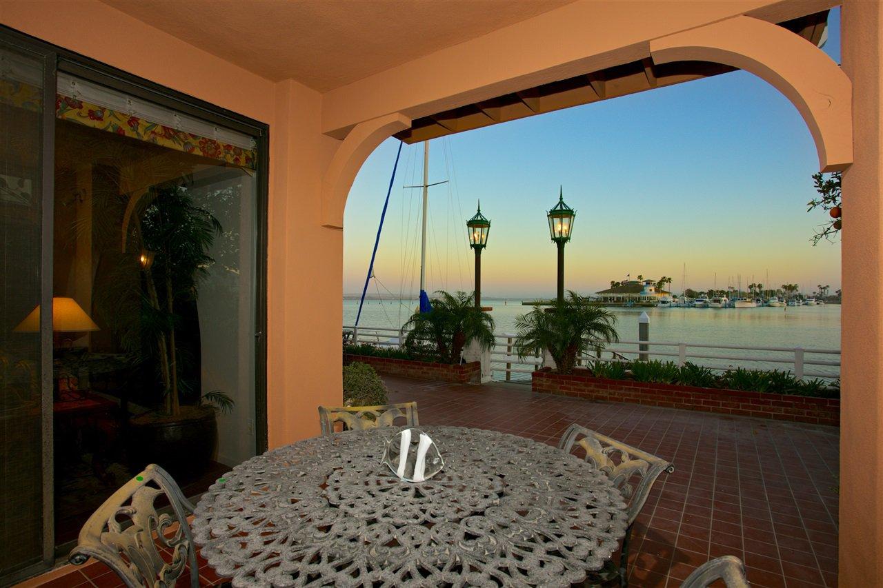 Photo 16: Photos: CORONADO CAYS House for sale : 4 bedrooms : 6 The Point in Coronado