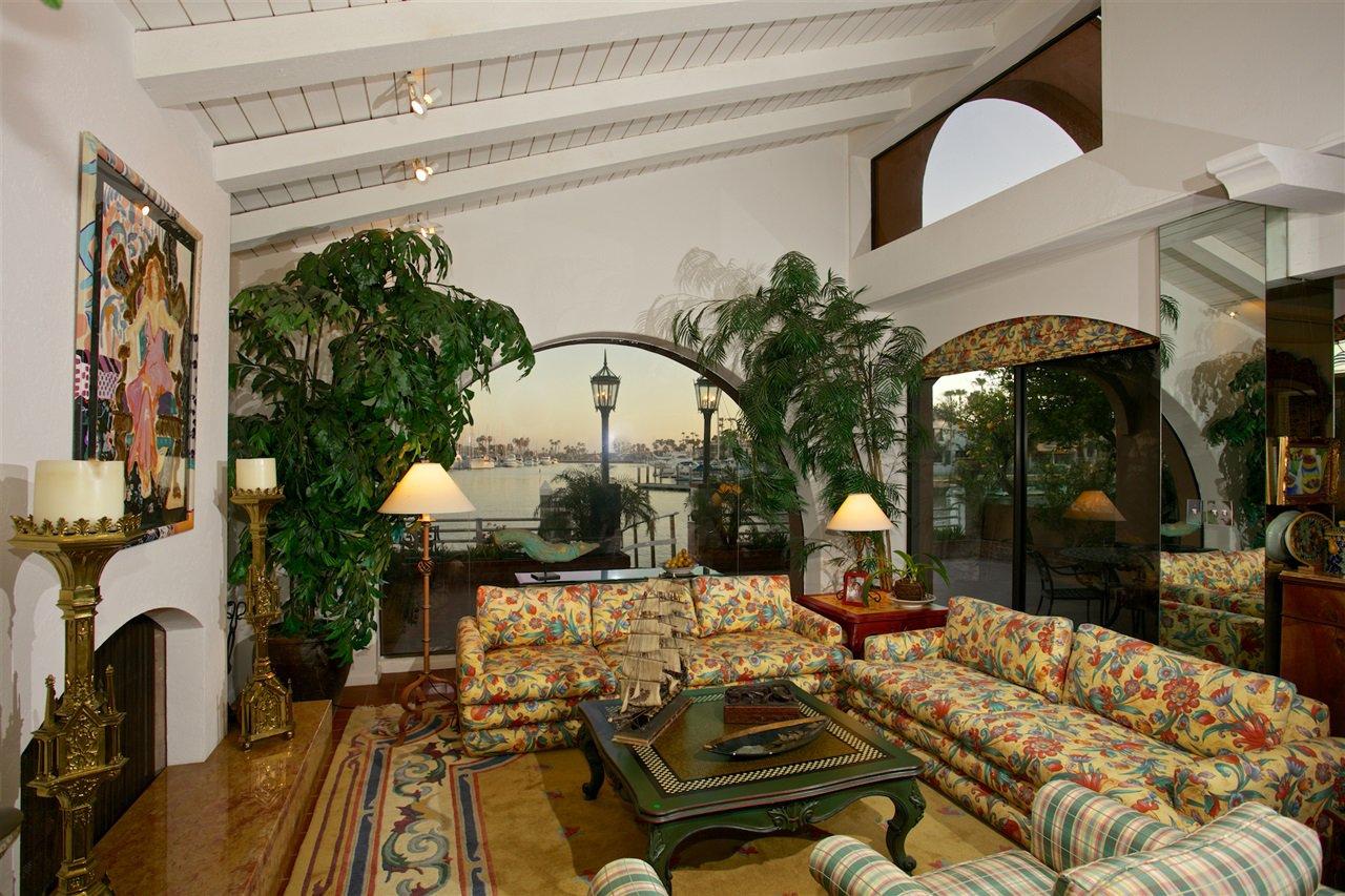 Photo 6: Photos: CORONADO CAYS House for sale : 4 bedrooms : 6 The Point in Coronado