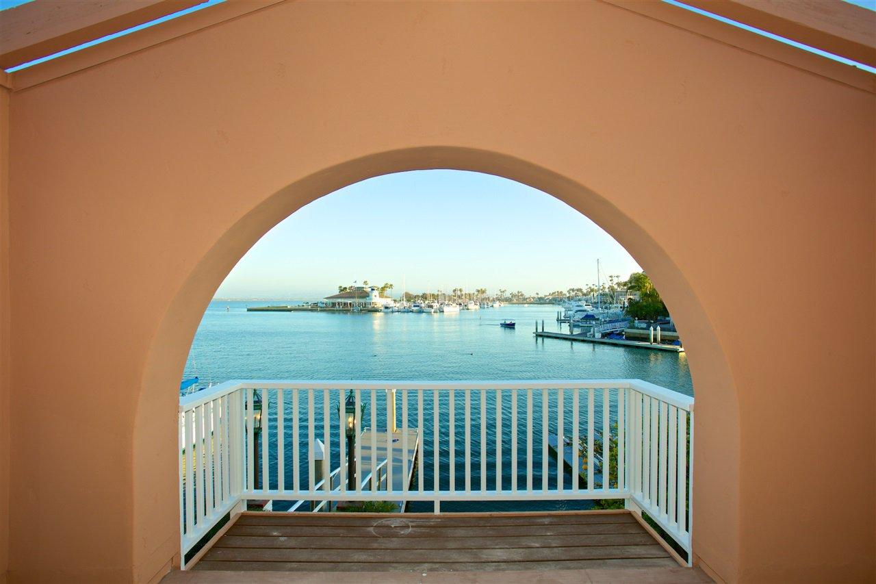 Photo 13: Photos: CORONADO CAYS House for sale : 4 bedrooms : 6 The Point in Coronado