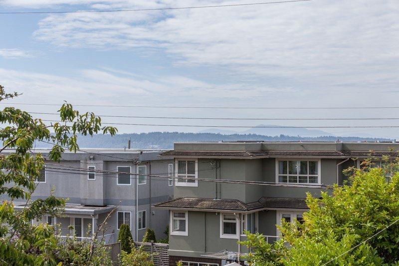 Photo 4: Photos: 15422 PACIFIC Avenue: White Rock House for sale (South Surrey White Rock)  : MLS®# R2082792