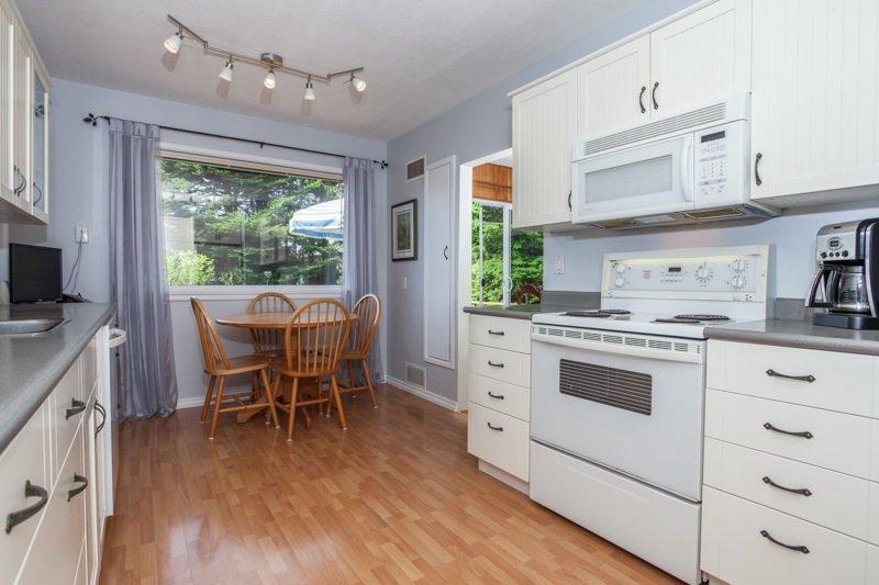 Photo 10: Photos: 15422 PACIFIC Avenue: White Rock House for sale (South Surrey White Rock)  : MLS®# R2082792