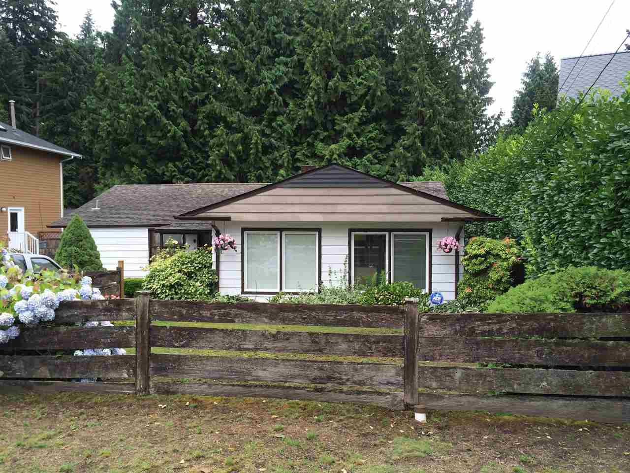 Main Photo: 1415 WOODS Drive in North Vancouver: Capilano NV House for sale : MLS®# R2092634