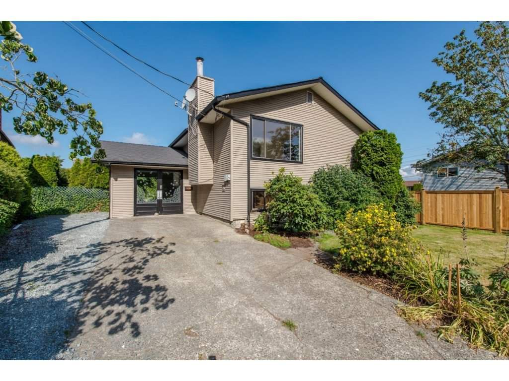 Main Photo: 3089 TODD Court in Abbotsford: Abbotsford East House for sale : MLS®# R2099454