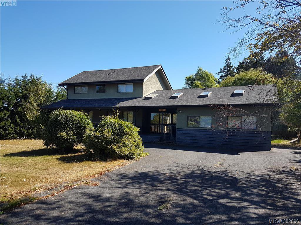 Main Photo: 9091 East Saanich Rd in NORTH SAANICH: NS Bazan Bay House for sale (North Saanich)  : MLS®# 769468