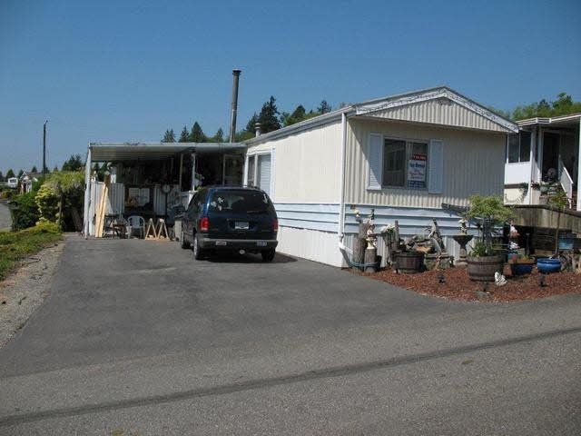 Main Photo: 63 27111 0 AVENUE in : Otter District Manufactured Home for sale (Langley)  : MLS®# F1311073