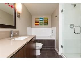 "Photo 16: Photos: 205 2940 KING GEORGE Boulevard in Surrey: King George Corridor Condo for sale in ""HIGH STREET"" (South Surrey White Rock)  : MLS®# R2251648"