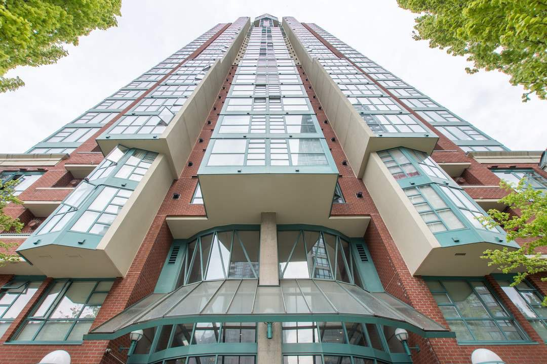 """Main Photo: 501 939 HOMER Street in Vancouver: Yaletown Condo for sale in """"THE PINNACLE"""" (Vancouver West)  : MLS®# R2342375"""