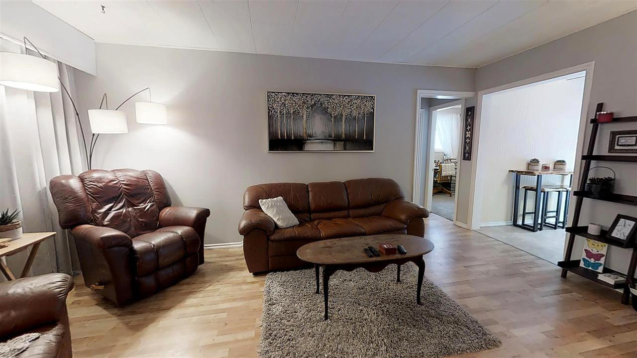 Photo 2: Photos: 1647 AINTREE Drive in Prince George: Aberdeen PG House for sale (PG City North (Zone 73))  : MLS®# R2343022