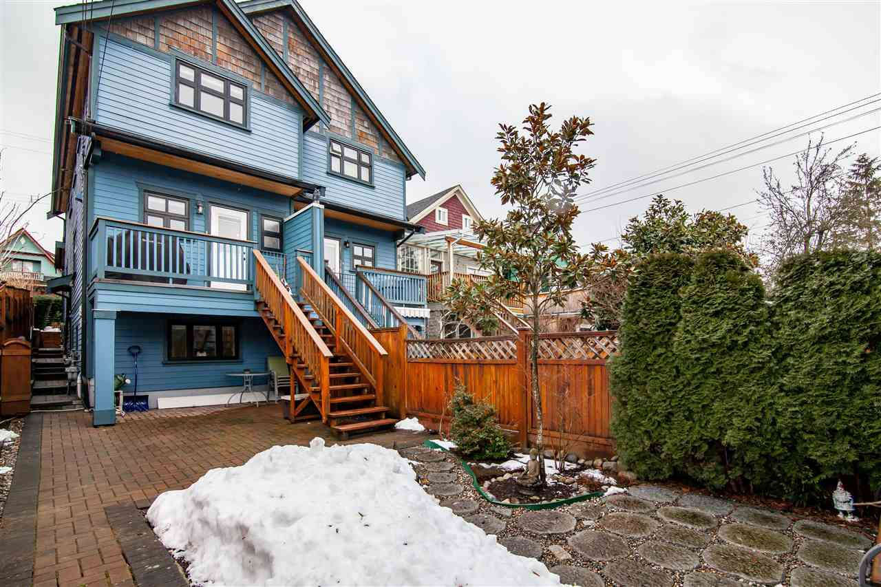 "Photo 20: Photos: 1586 E 11TH Avenue in Vancouver: Grandview VE House 1/2 Duplex for sale in ""THE DRIVE"" (Vancouver East)  : MLS®# R2343494"