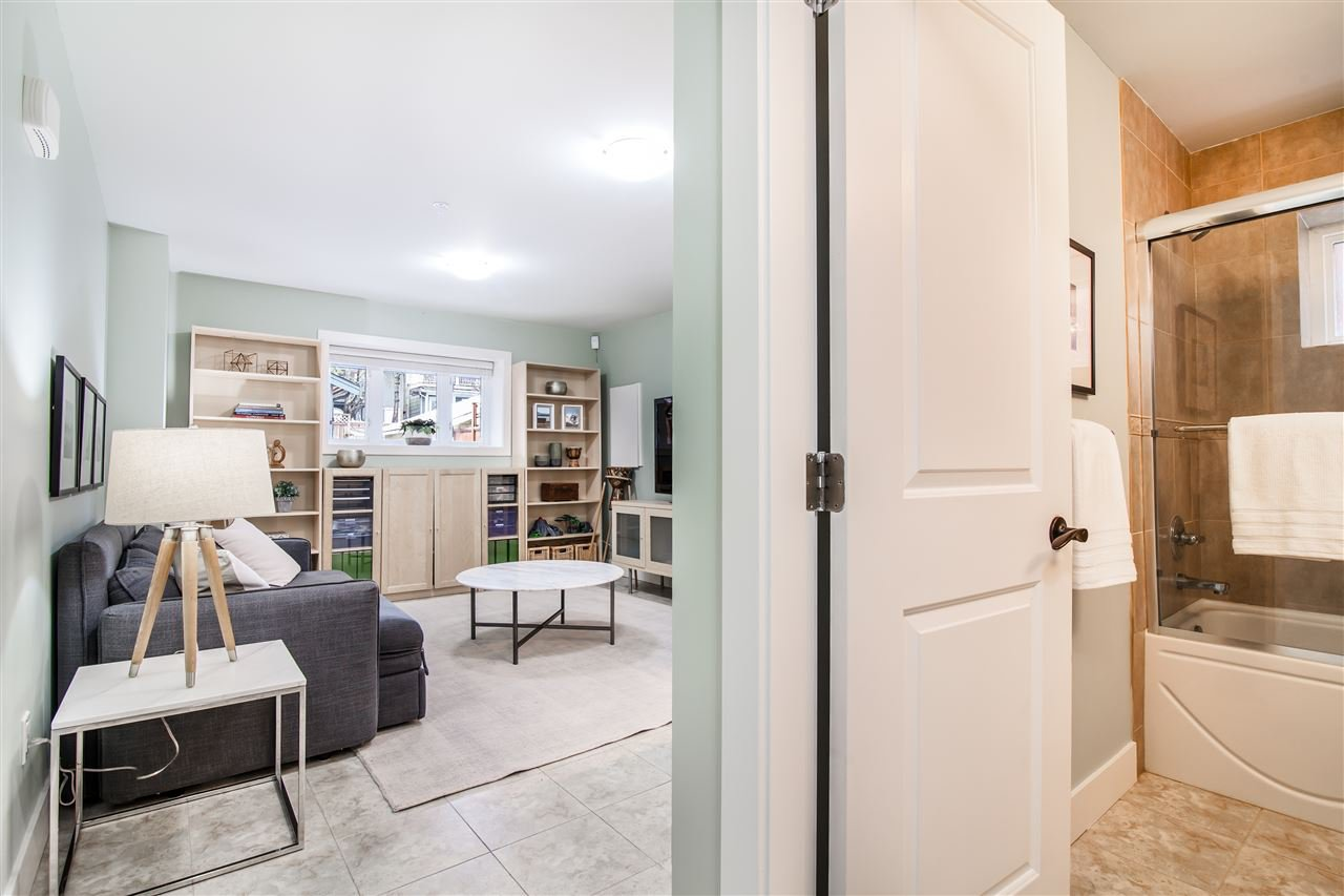 """Photo 15: Photos: 1586 E 11TH Avenue in Vancouver: Grandview VE House 1/2 Duplex for sale in """"THE DRIVE"""" (Vancouver East)  : MLS®# R2343494"""