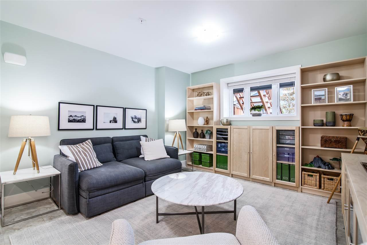 """Photo 13: Photos: 1586 E 11TH Avenue in Vancouver: Grandview VE House 1/2 Duplex for sale in """"THE DRIVE"""" (Vancouver East)  : MLS®# R2343494"""