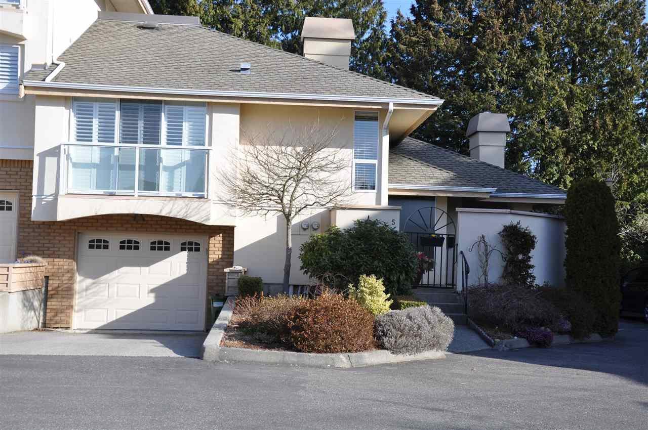"Main Photo: 5 1789 130 Street in Surrey: Crescent Bch Ocean Pk. Townhouse for sale in ""San Juan Gate"" (South Surrey White Rock)  : MLS®# R2352401"