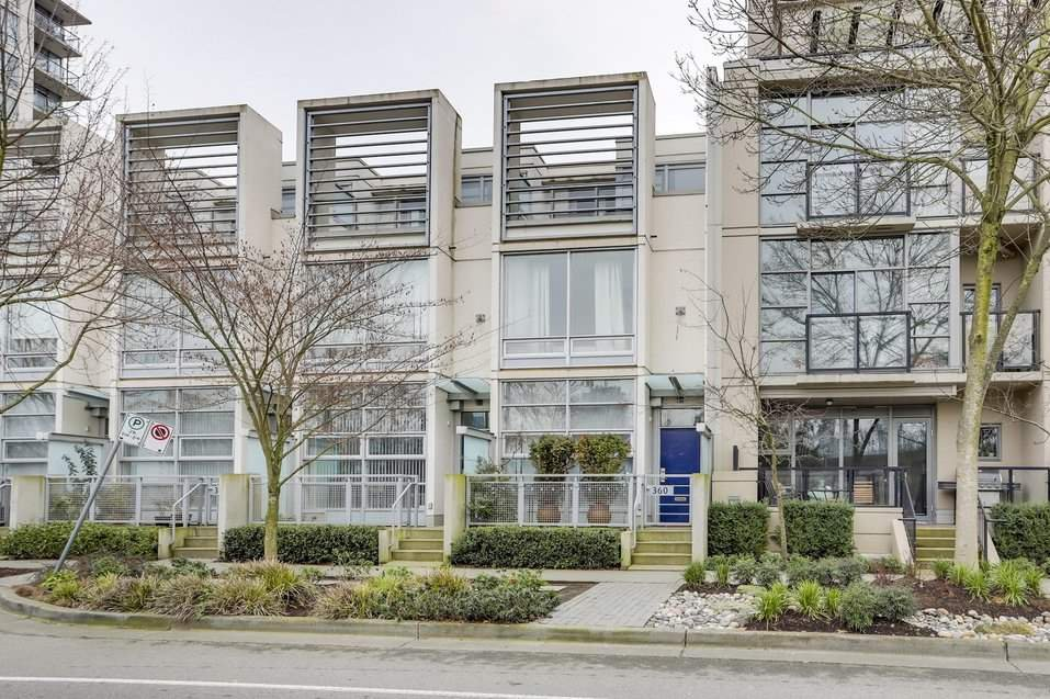 """Main Photo: 360 W 1ST Avenue in Vancouver: False Creek Townhouse for sale in """"FOUNDRY"""" (Vancouver West)  : MLS®# R2382893"""