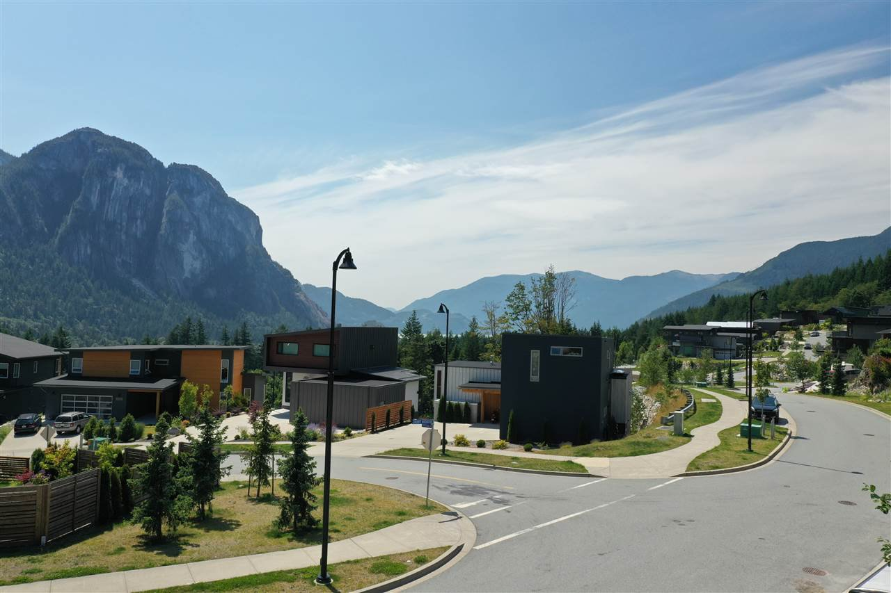 "Main Photo: 2199 CRUMPIT WOODS Drive in Squamish: Plateau Land for sale in ""Crumpit Woods"" : MLS®# R2383880"