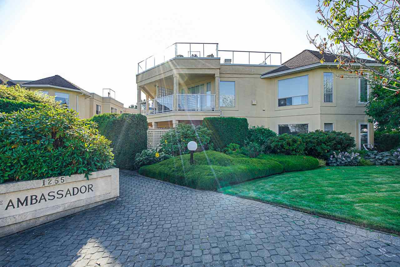 """Main Photo: 302 1255 BEST Street: White Rock Condo for sale in """"The Ambassador"""" (South Surrey White Rock)  : MLS®# R2396491"""