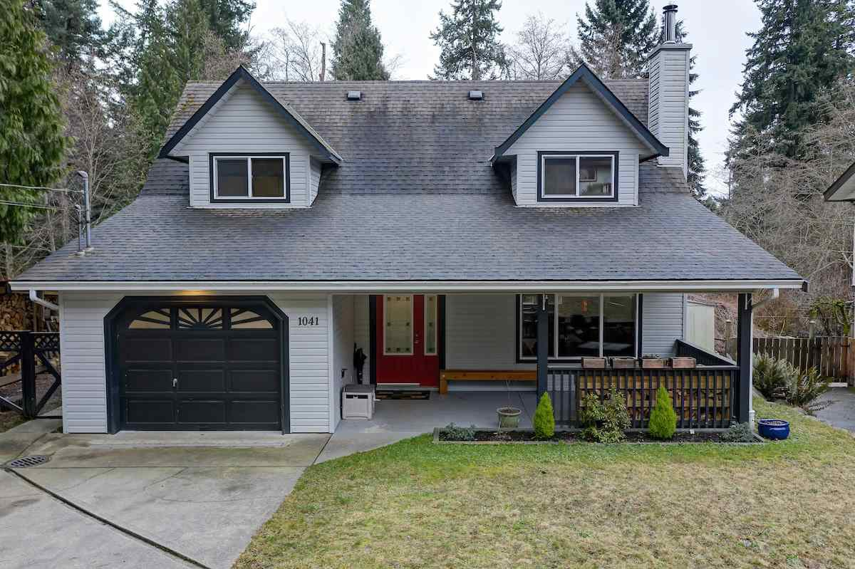 Photo 1: Photos: 1041 FIRCREST Road in Gibsons: Gibsons & Area House for sale (Sunshine Coast)  : MLS®# R2427228