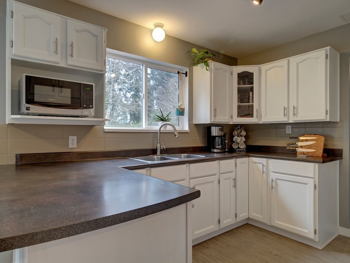 Photo 11: Photos: 1041 FIRCREST Road in Gibsons: Gibsons & Area House for sale (Sunshine Coast)  : MLS®# R2427228