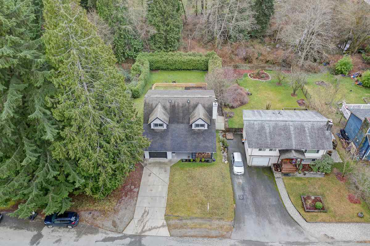Photo 2: Photos: 1041 FIRCREST Road in Gibsons: Gibsons & Area House for sale (Sunshine Coast)  : MLS®# R2427228