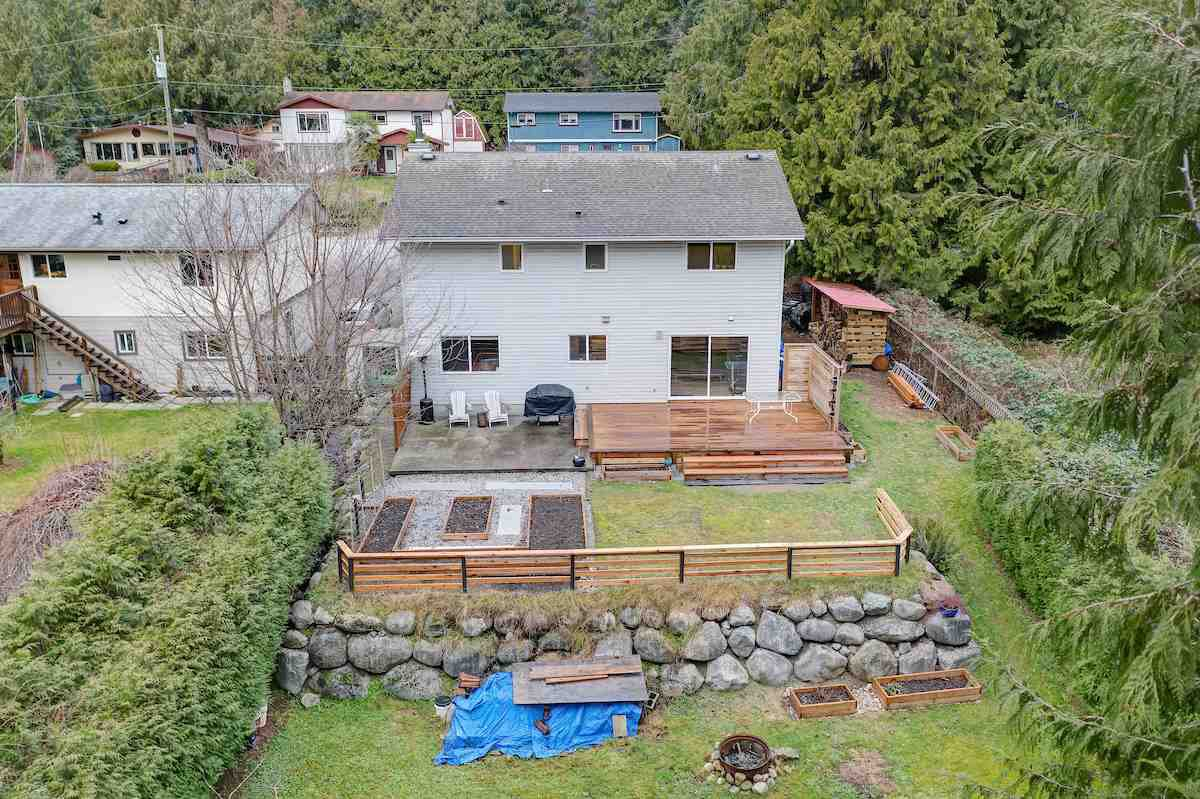 Photo 4: Photos: 1041 FIRCREST Road in Gibsons: Gibsons & Area House for sale (Sunshine Coast)  : MLS®# R2427228