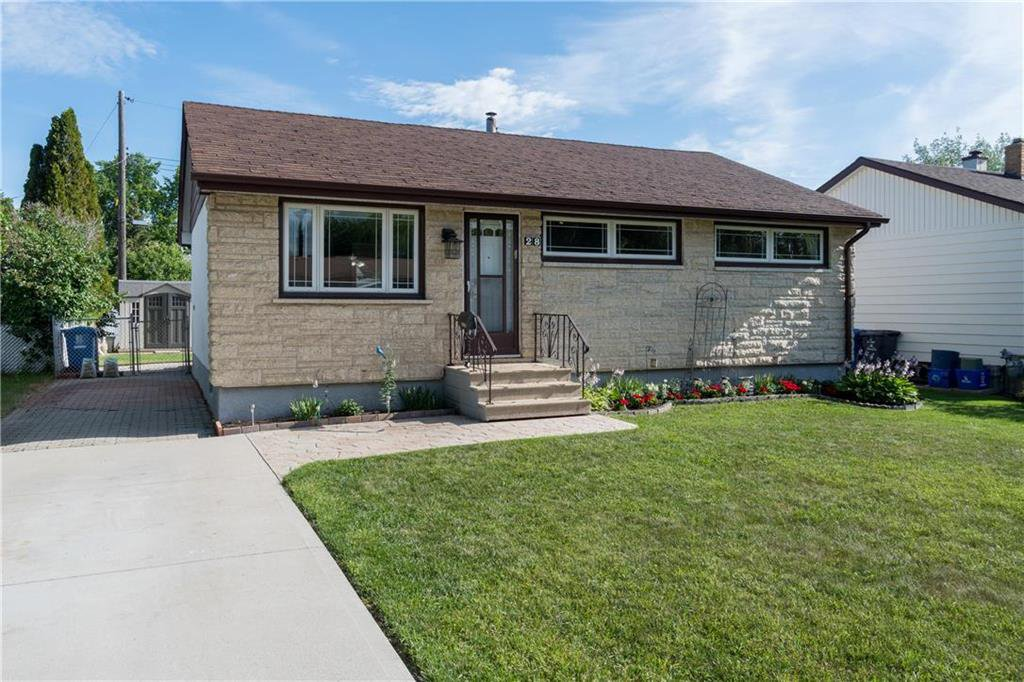 Main Photo: 28 Blue Heron Crescent in Winnipeg: East Transcona Residential for sale (3M)  : MLS®# 202017353