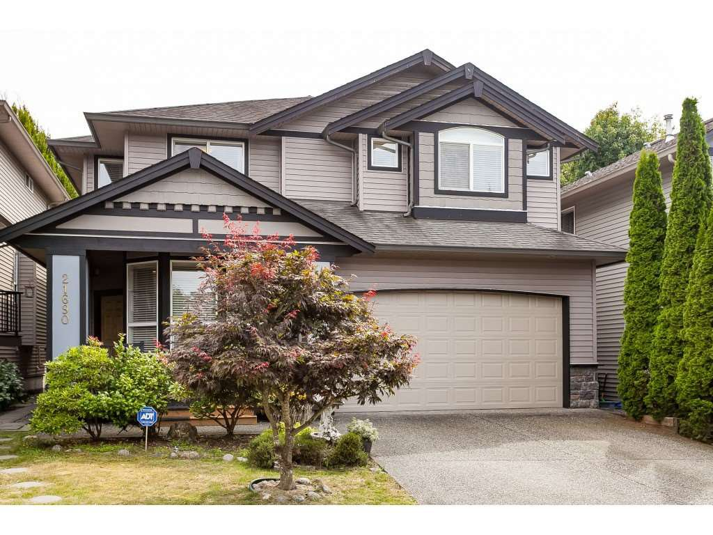 "Main Photo: 21690 89 Avenue in Langley: Walnut Grove House for sale in ""Madison Park"" : MLS®# R2485979"