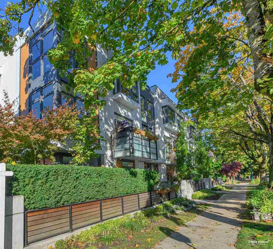 Main Photo: 3181 QUEBEC Street in Vancouver: Mount Pleasant VE Townhouse for sale (Vancouver East)  : MLS®# R2511396